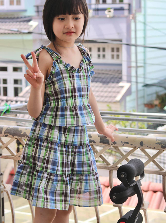30096 - Bộ áo dây bèo kèm chân váy tầng (04-08-2021)