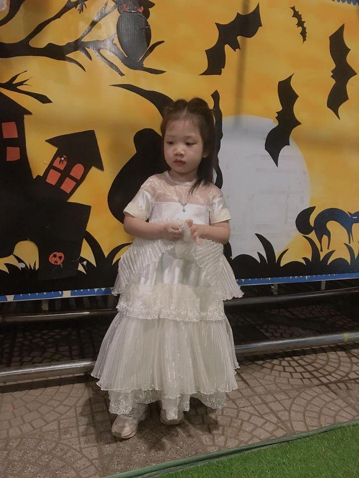 30052 - Đầm Hằng Nga - Thiên Cung / Đào Đức