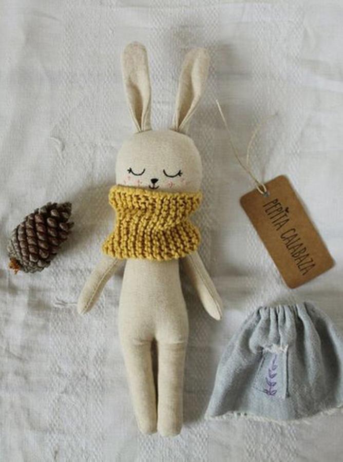 HM004 - Rập bé thú nhồi bông tích hợp tai + váy áo